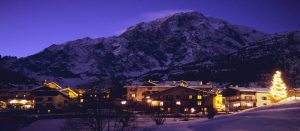 Kveldssteming Courmayeur i Alpene