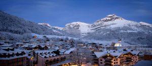Vakker kveldsstemning i Engelberg i Sveits