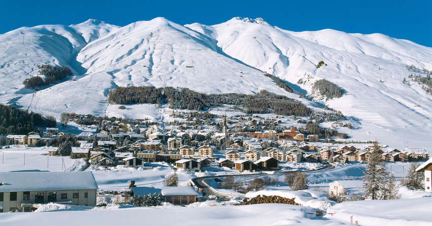 ENGADIN St. Moritz: Winterpanorama Zuoz