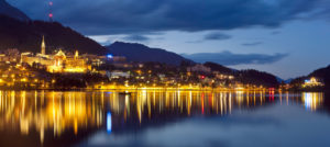 St. Moritz i Sveits by night