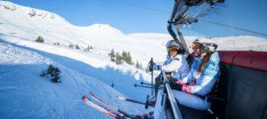 På ski i Kitzbühel i Alpene